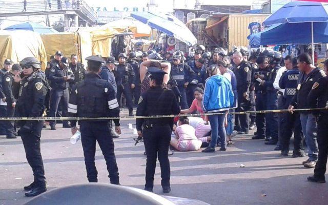 Balacera deja tres muertos en el Mercado Sonora - Foto de @JerrxG13
