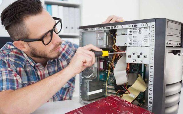 ¿Cómo debe de limpiar su computadora?