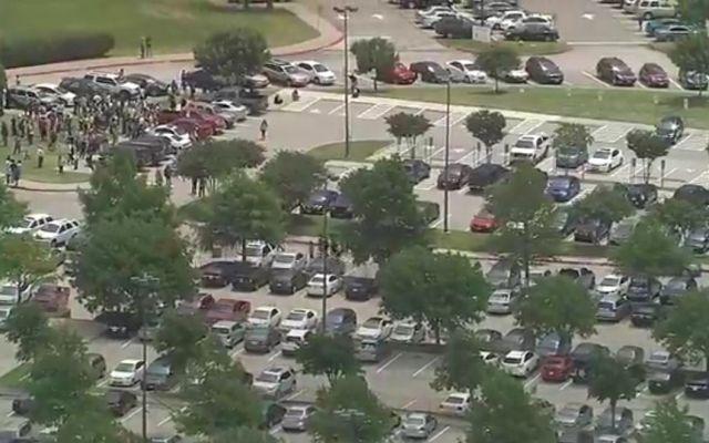 Tiroteo en universidad de Texas deja dos muertos