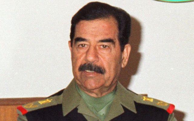 Saddam Hussein pasó sus últimos días escuchando pop estadounidense - Foto de AP