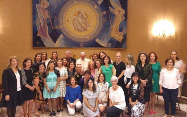 El papa Francisco se reúne con mujeres divorciadas en el Vaticano - Foto de Vatican Insider