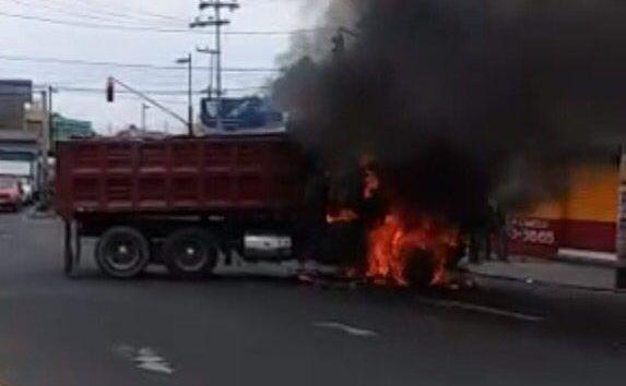 Bloqueos, camiones incendiados y tiroteos en la Ciudad de México - Foto de Antonio Nieto.