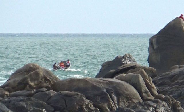 Olas arrastran a hombre en Puerto Escondido - Foto de Quadratín