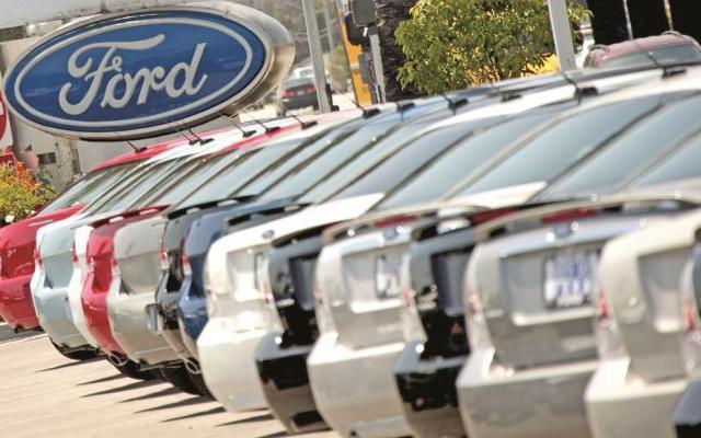 Ford y Fiat-Chrysler llaman a reparación a 33 mil vehículos en México