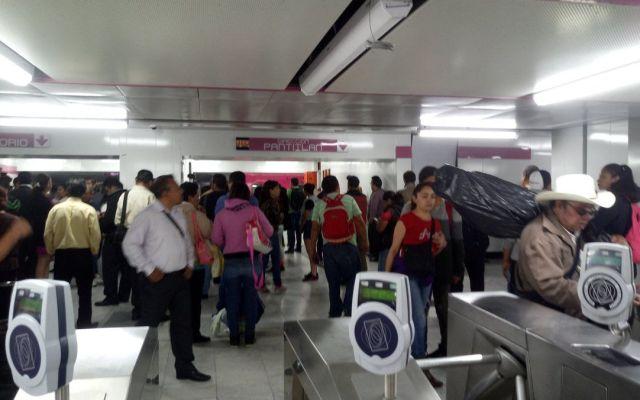 Cae hombre a vías del Metro Balbuena - Foto de @alexperezpineda