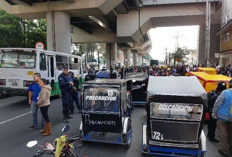 Retiran 70 mototaxis de Tláhuac