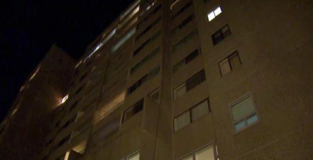 Muere niña al caer de cuarto piso en Massachusetts
