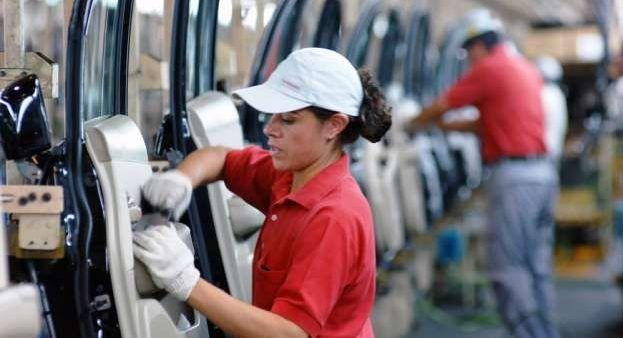 EE.UU. buscará alza salarial en México en renegociación del TLC