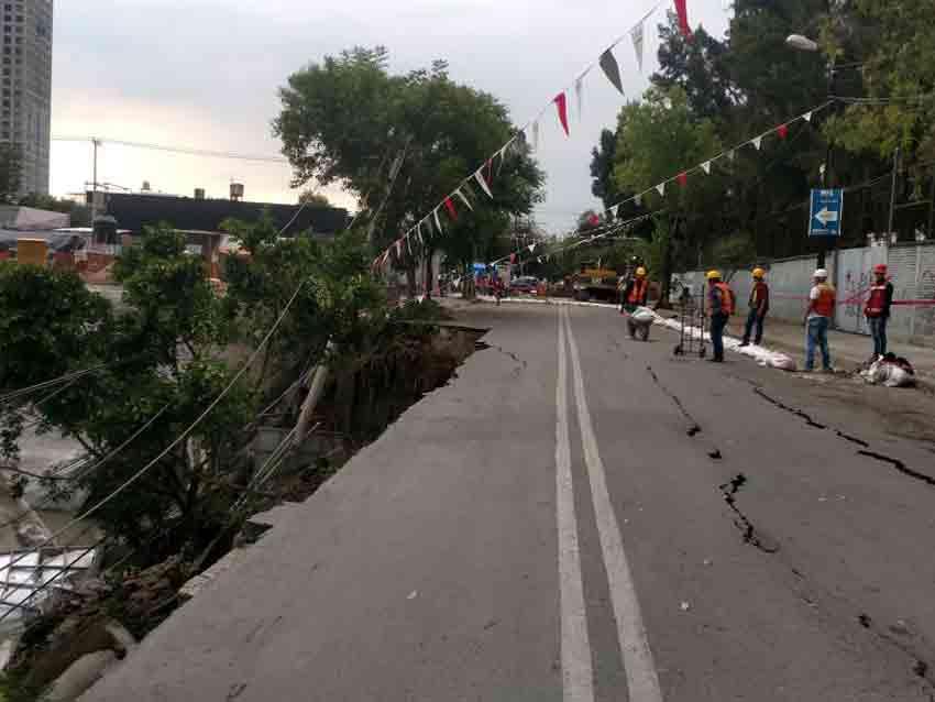 Suspenden obra tras colapso de barda en Azcapotzalco