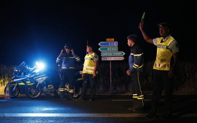 Atacante de pizzería en París intentó suicidarse - Foto de AP/Kamil Zihnioglu