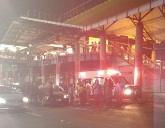 Matan a mujer frente al Metro Bosque de Aragón