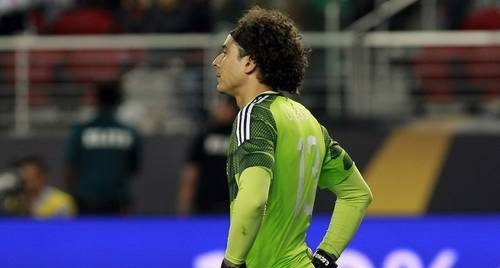 Memo Ochoa recibe su primera goleada en Bélgica - Foto de Twitter