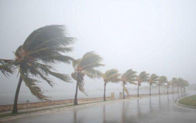 Huracán Irma se degrada a categoría 3 - Foto de @AdrianMezaTV