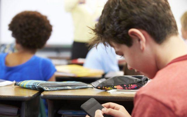 Redes sociales vinculadas al aumento en suicidios de adolescentes - Foto de Mendoza Post