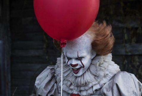 'Eso' se mantiene en la cima de la taquilla - Foto de Warner Bros