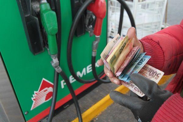 Familia de secretario de Sedesol vendía gasolina robada - Foto de Megalópolis