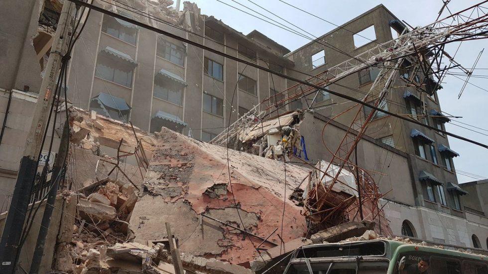 Improbable réplica fuerte del sismo del 19 de septiembre: Cenapred - Edificio colapsado en Cuernavaca. Foto de @santiagomfgh