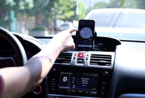 Uber contará con seguro de viajes - Foto de Milenio