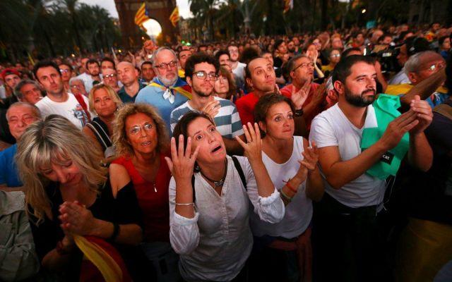 Inadmisible declarar la independencia y luego suspenderla: Gobierno Español - Foto de La Vanguardia