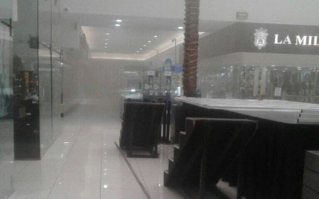 Se incendia restaurante de Plaza Galerías - Foto de @JerrxG13