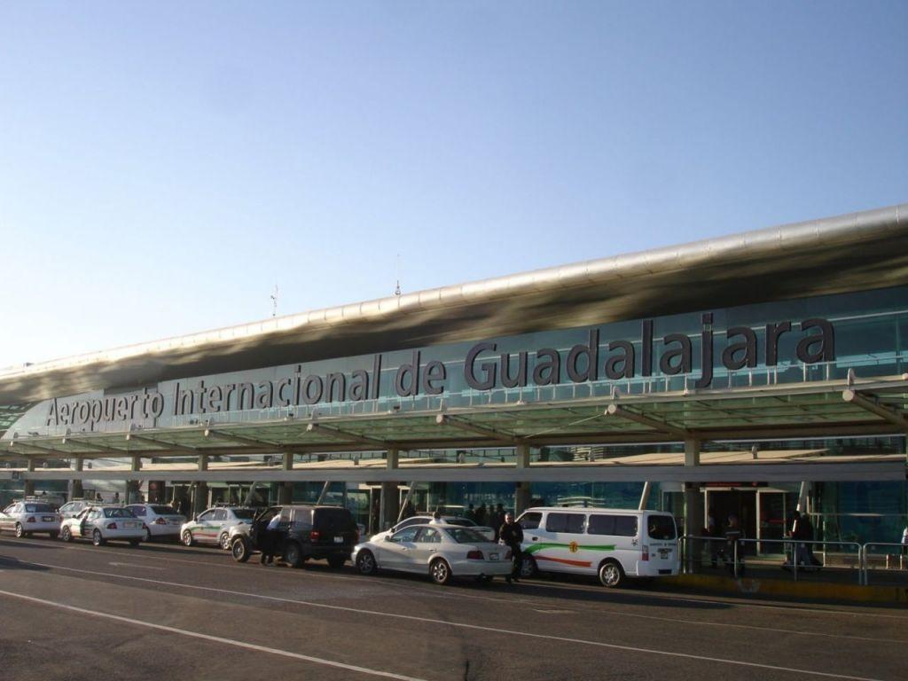Reabren Aeropuerto de Guadalajara tras accidente - Foto de archivo