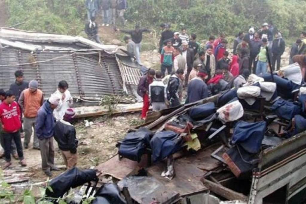 Accidente de autobús en Nepal deja al menos 31 muertos - Foto de Internet
