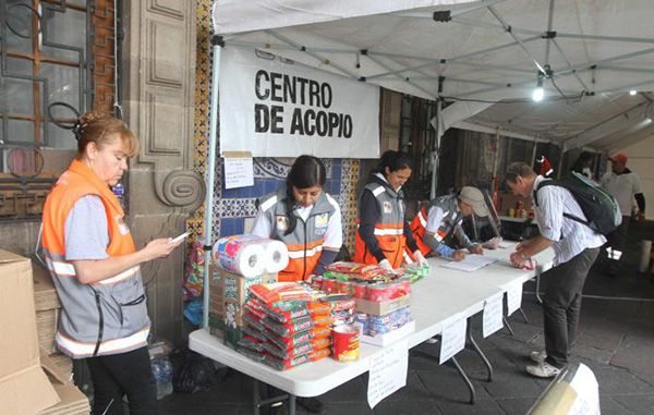 Venden en tianguis de zona metropolitana víveres donados