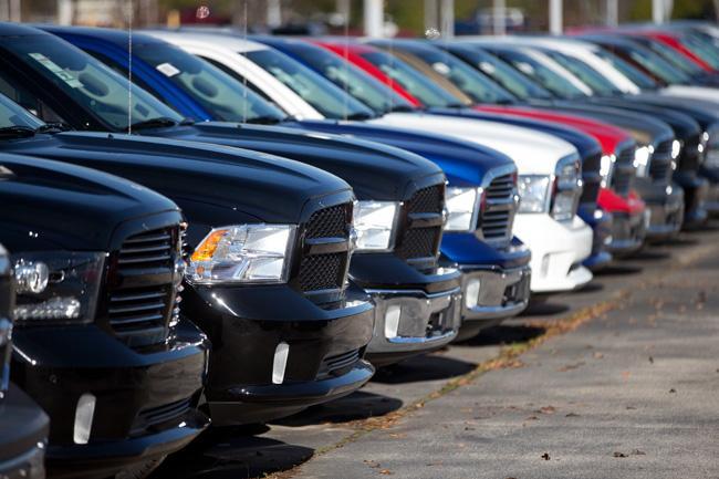 Llaman a revisión 21 mil coches de Fiat Chrysler