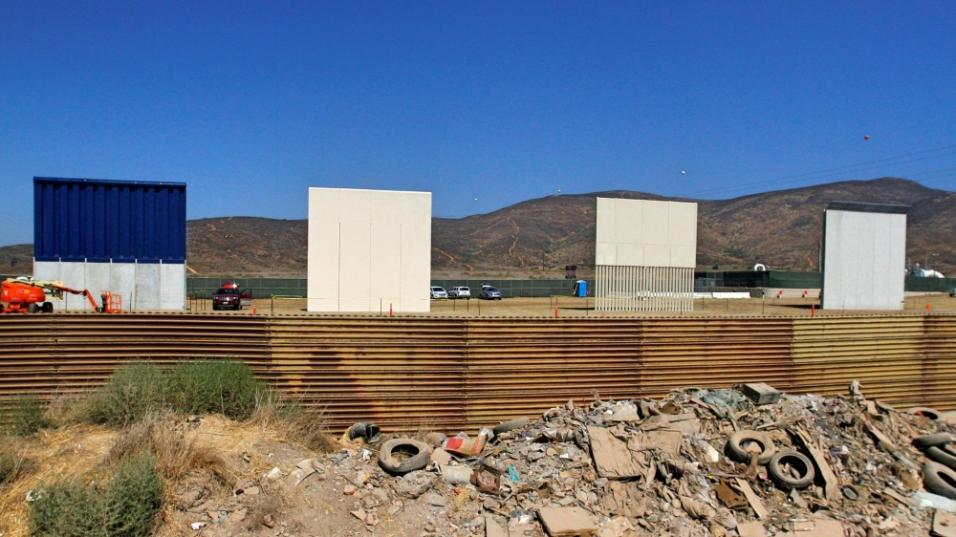 Inicia construcción de muro fronterizo en California - Foto de Reuters/Jorge Dueñes