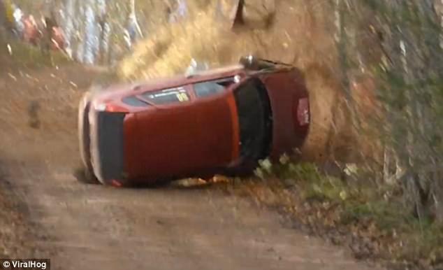 #Video Aparatoso accidente en carrera en Rusia - Foto de Viral Hog