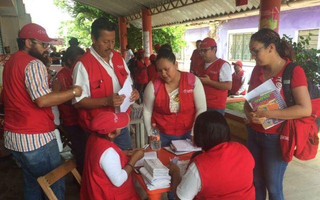 Entregan tarjetas a afectados por sismos en Chiapas y Oaxaca - Foto de @SEDATU_mx