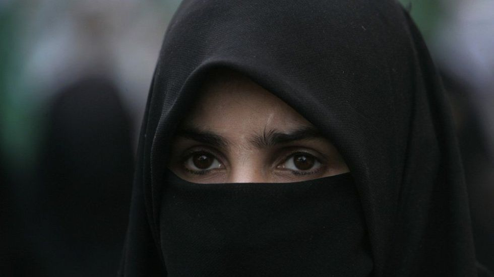 Quebec prohibe acceso a servicios públicos a mujeres con velo - Foto de Internet