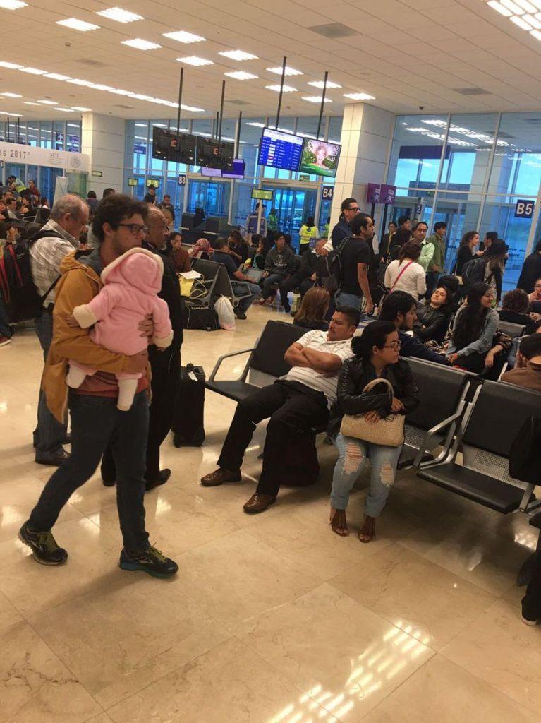 Avión de Volaris aterriza de emergencia en Veracruz