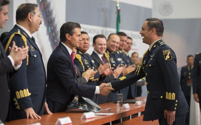 Peña Nieto reconoce labor de Estado Mayor durante sismos - Foto de Estado Mayor