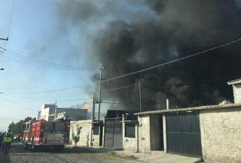 0ce825099fd El incendio se registró en la fábrica de hule espuma en San José El Algo