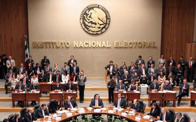 INE promoverá el voto en el extranjero mediante redes sociales - Foto de e-consulta