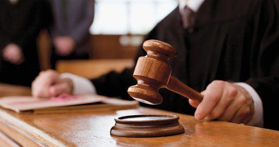 Corte de EE.UU. falla a favor de fianza a inmigrantes