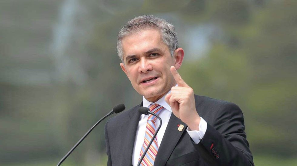 PAN aprueba candidatura de Mancera al Senado - Foto de Milenio