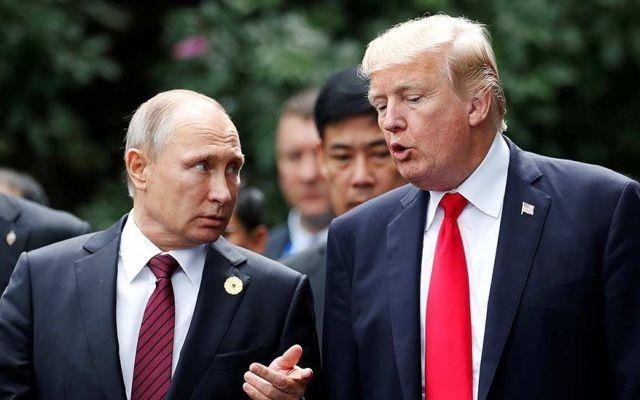 Trump dice creerle a Putin sobre presunta intromisión rusa en elecciones - Foto de Archivo