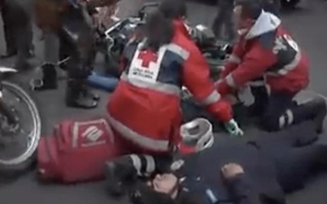 Conductora embiste a dos policías motorizados cerca de la Zona Rosa