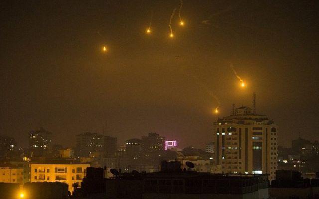 #Video Momento en que misiles de Hamás se aproximan a Israel