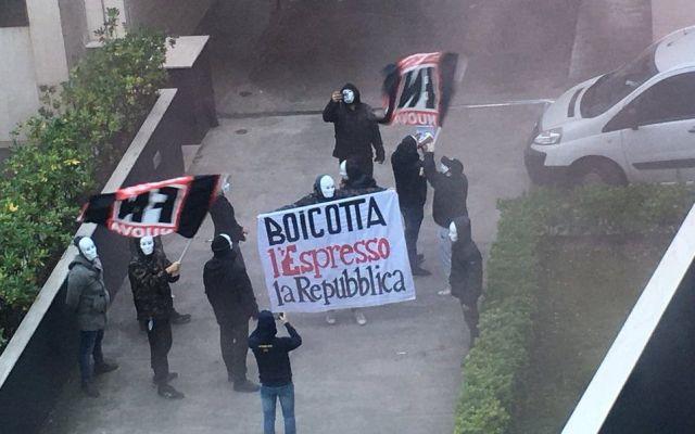Neofascistas atacan oficinas de periódico en Italia - Foto de @massimo_russo