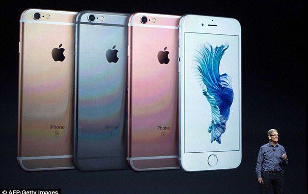 Demandan a Apple por desacelerar teléfonos con baterías viejas - Foto de Getty