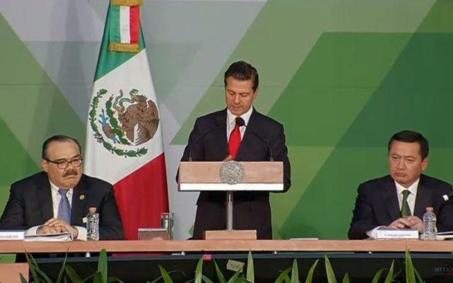 Peña Nieto anuncia iniciativa de ley para facilitar proceso de adopción