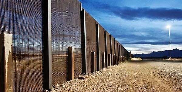 Culpan a agente de asesinar a joven en la frontera - Frontera entre México y Estados Unidos. Foto de USA Today