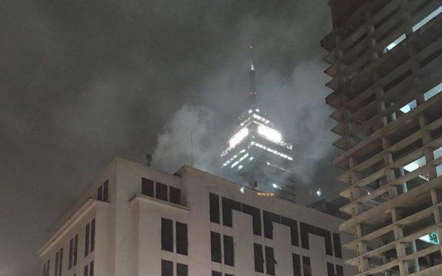 Cortocircuito provoca incendio en restaurante del Centro - Foto de @JuliaMuriedas