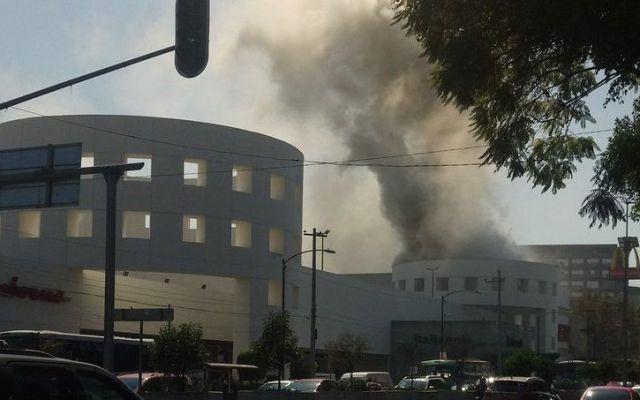 #Video Incendio en Plaza Universidad