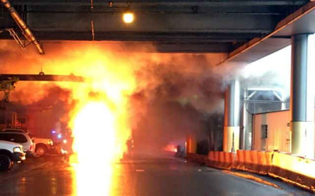 Explosión de transformador en aeropuerto Newark - Foto de NBC