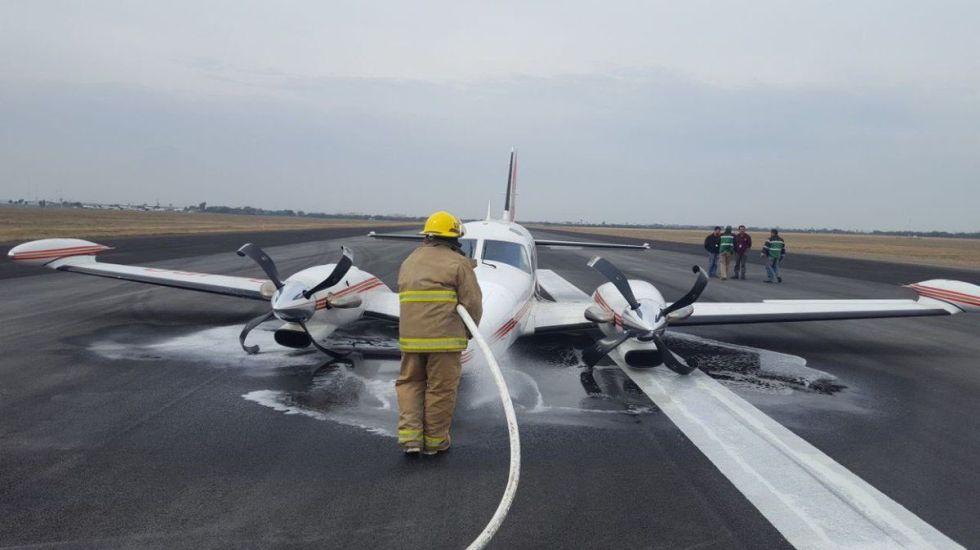 Avión aterriza de emergencia en Apodaca, Nuevo León - Foto de @CUBONoticiasMX