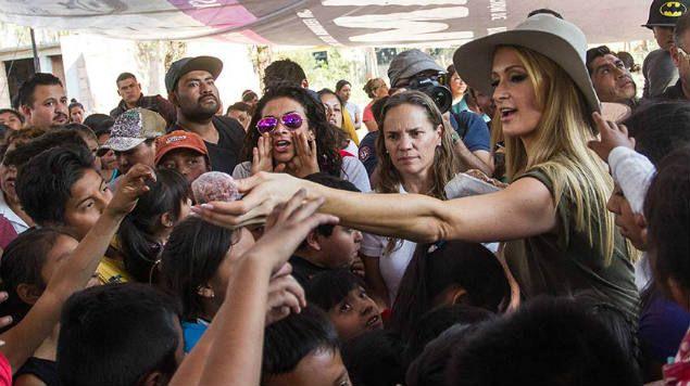 Damnificados de Xochimilco acusan fraude en donación de Paris Hilton - Foto de internet